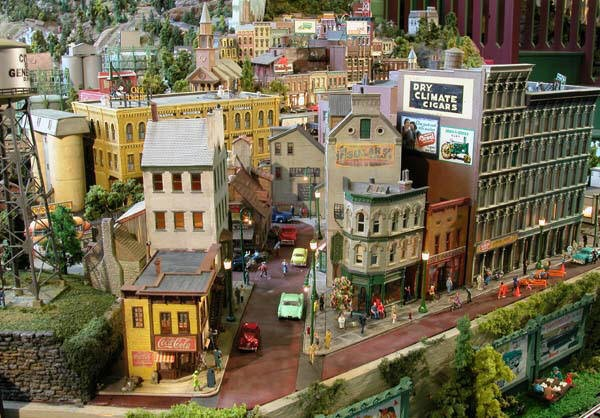O MODEL RAILROAD LAYOUTS
